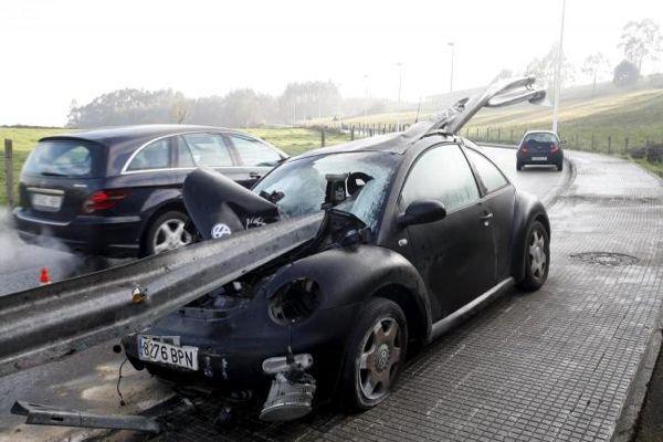 milagro-coche-guardarail5
