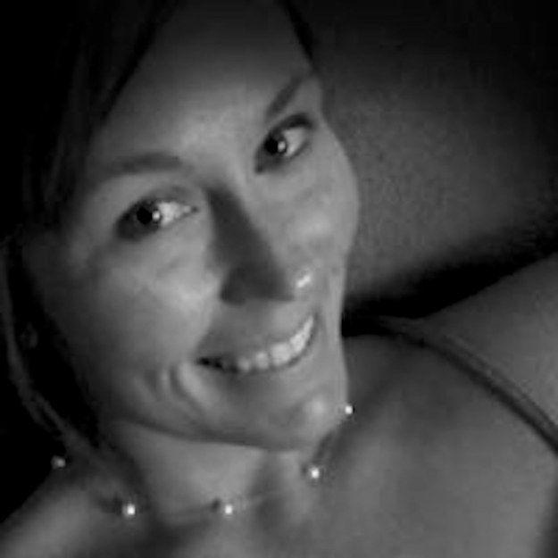 courtney-sanford-selfie-01