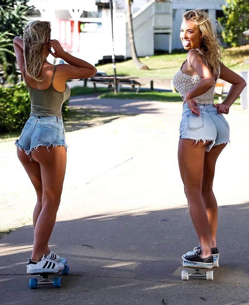 hermanas-coffey-surf-7