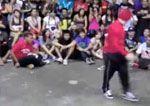 Batalla de Break Dance entre un niño y un adulto