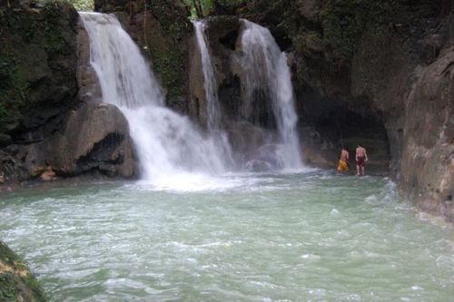 dangerous_waterfalls_04