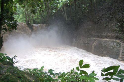 dangerous_waterfalls_11