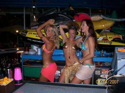 hot_bartenders_11