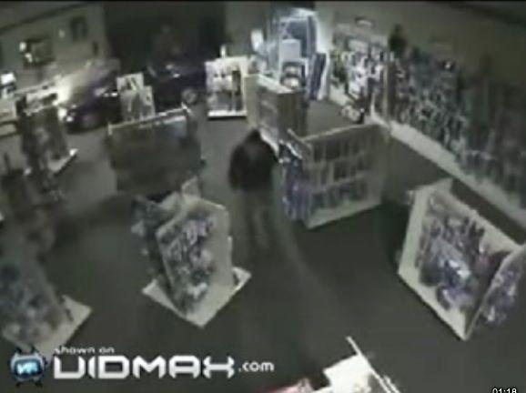 Robo con alunizaje en un sex-shop