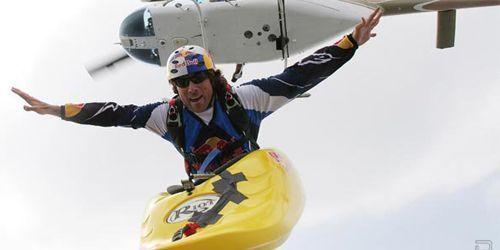 Salto en paracaídas con kayak