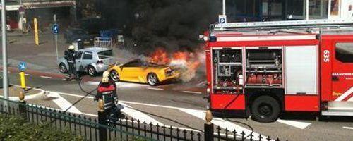 Lamborghini Murcielago envuelto en llamas