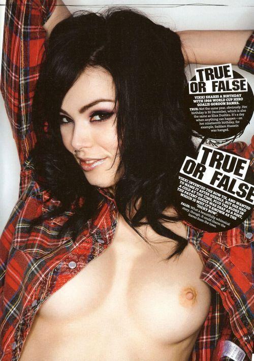 vikki-blows-topless-front-03