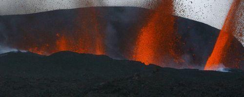 Erupción de un volcán en Islandia